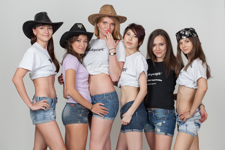 We Work With Supermodels: супермодели AnyLogic